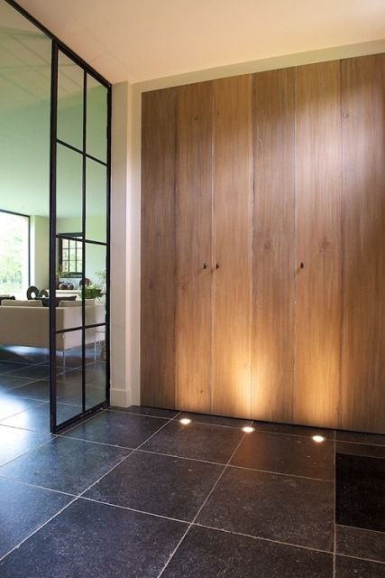 Inkomhallen | Domus Aurea: uplights #floorlighting