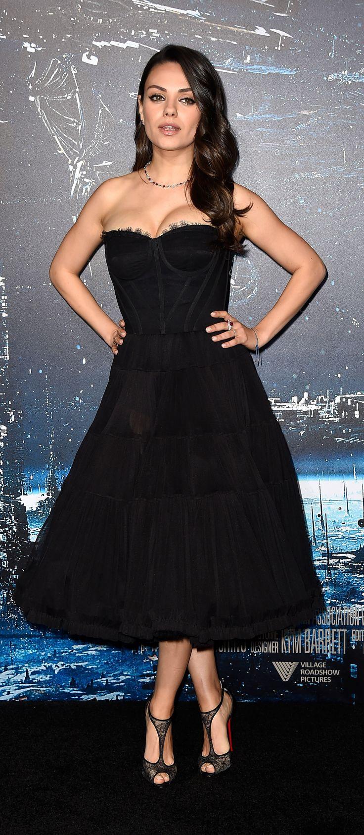 Mila Kunis in Dolce & Gabanna