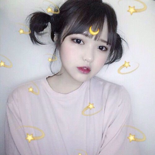 Ulzzang. I wish I looked like this  can't wait for plastic surgery