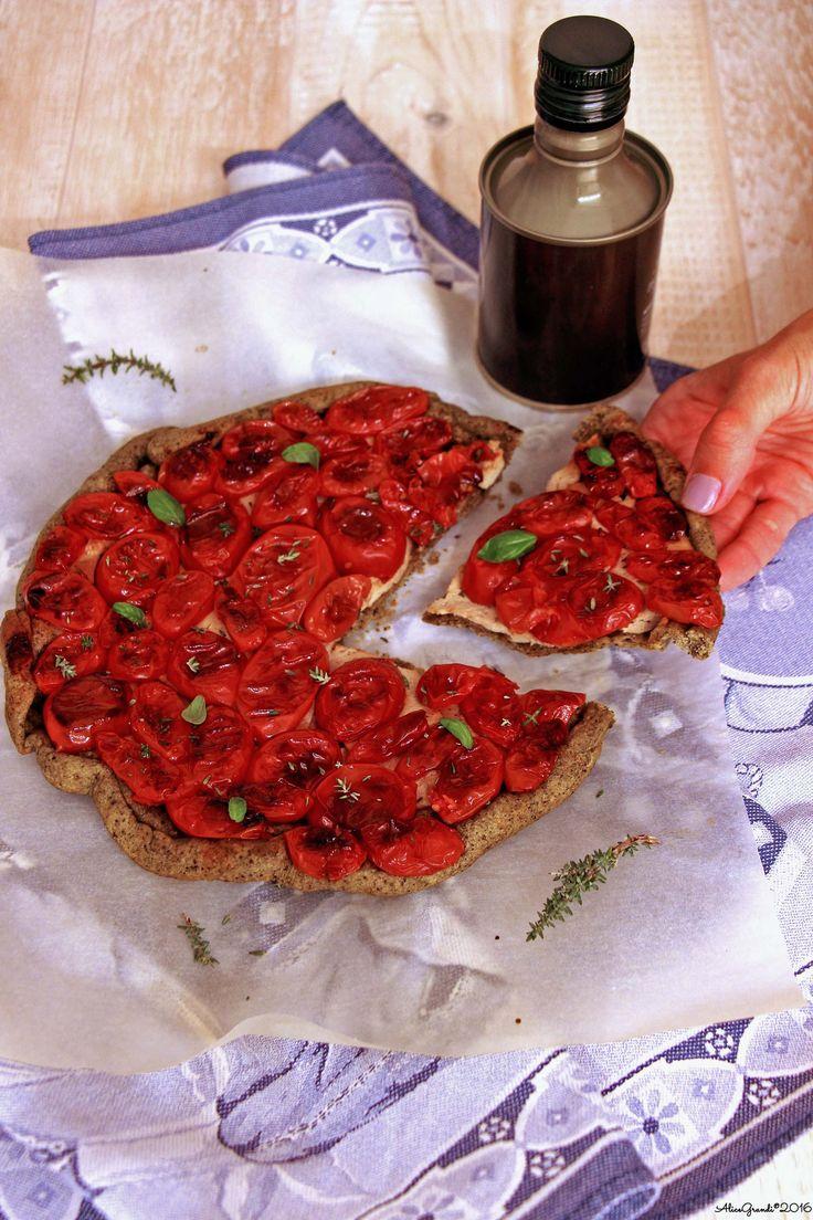 Tarte tatin al tofu e pomodorini confit | Tomato tarte tatin {vegan}