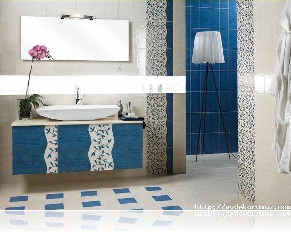 Küçük Dekoratif Mavi Banyo