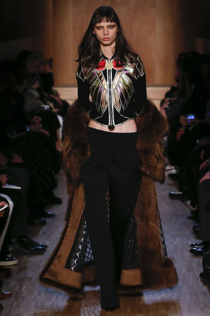 Givenchy Fall 2016 Ready to Wear Collection Photos   Vogue