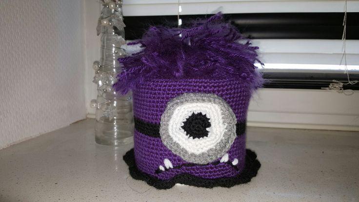 Evil von Minons als Klorollen Mütze;)