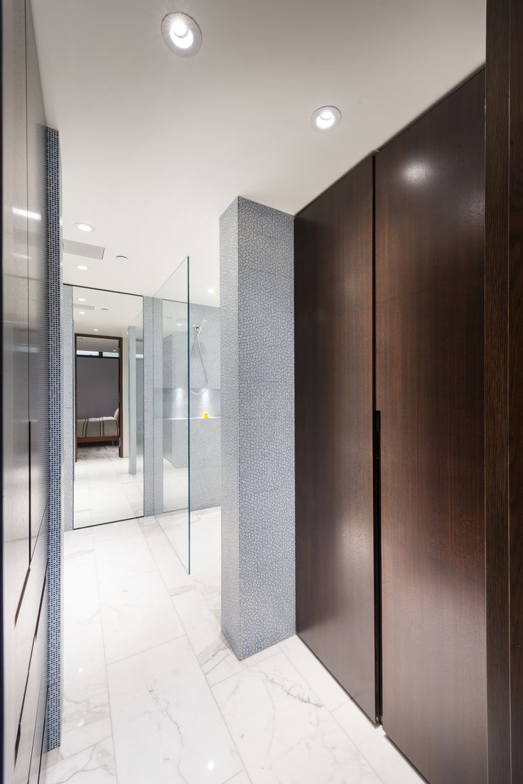 W38th_Residence Guest Ensuite and closet