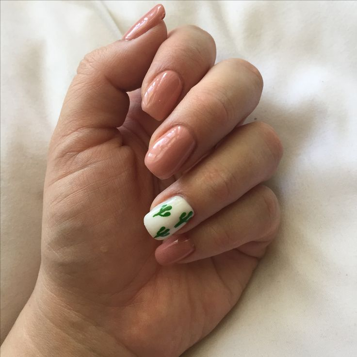 Loving this cactus gel nail art!