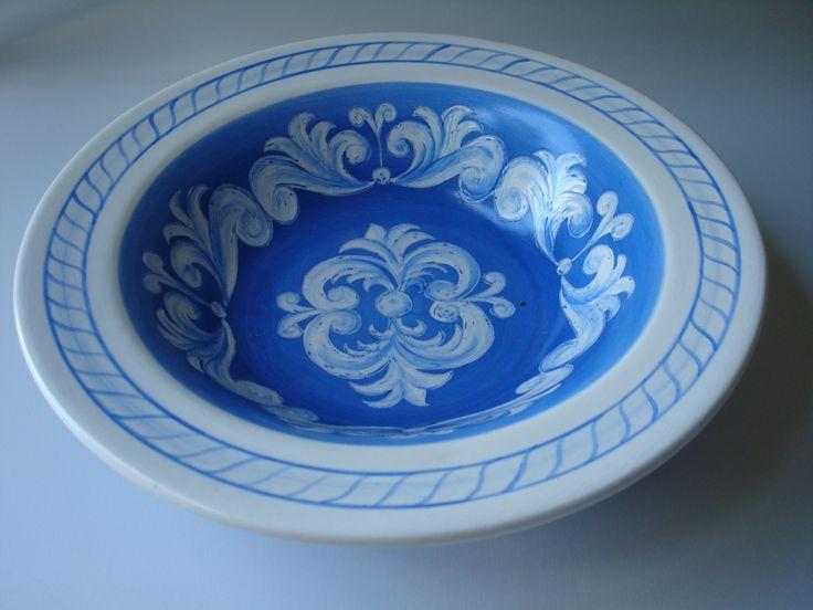 italian sgrafitto bowl