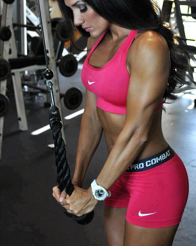Love the outfit & she is def buff. #fitness #exercise #abs #slim #fit #beauty #health #workout #motivation #cardio #belly #woman-fitness #ab-workouts #ab-inspiration