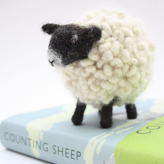 Naald vilten schapen zeggen Ik hou van je met door TheWoollyLife