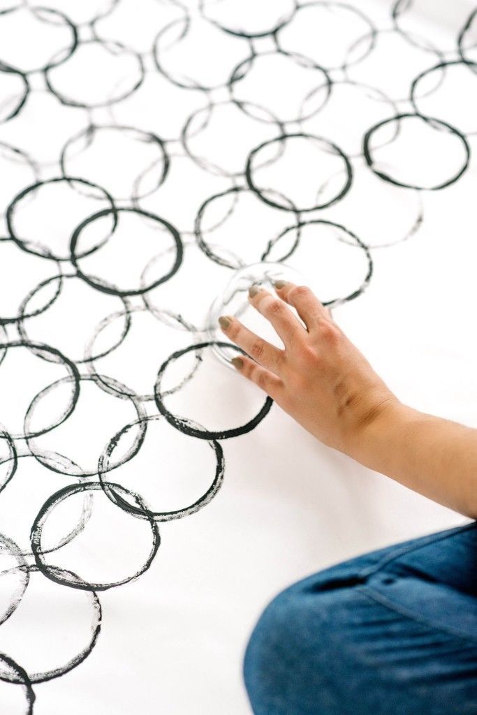 DIY Graphic Print Tablecloth