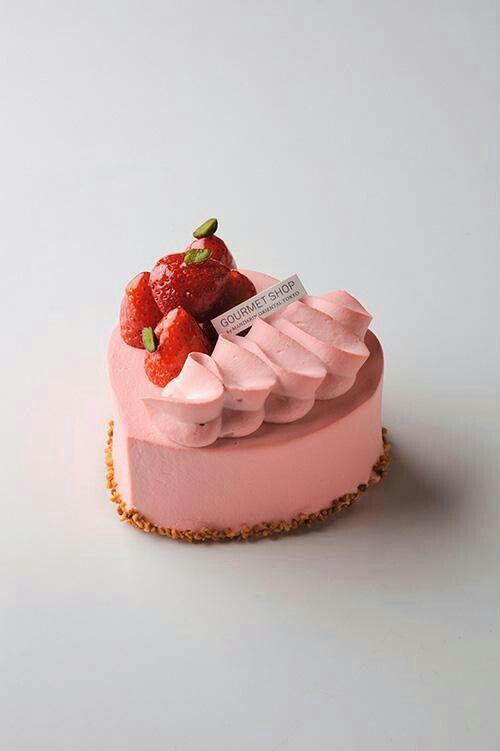 Strawberry mousse entrement