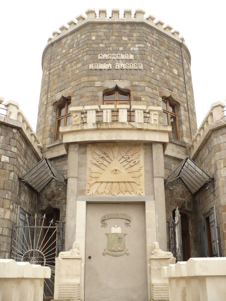 Intrare Castelul Iulia Hasdeu