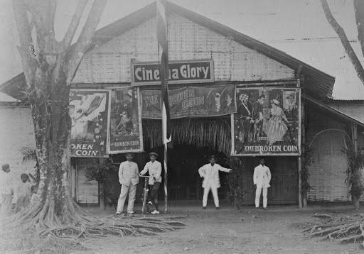 Silahkan baca artikel Catatan Sejarah Film Dan Bioskop Era Hindia Belanda ini selengkapnya di Blogger Berbagi Info
