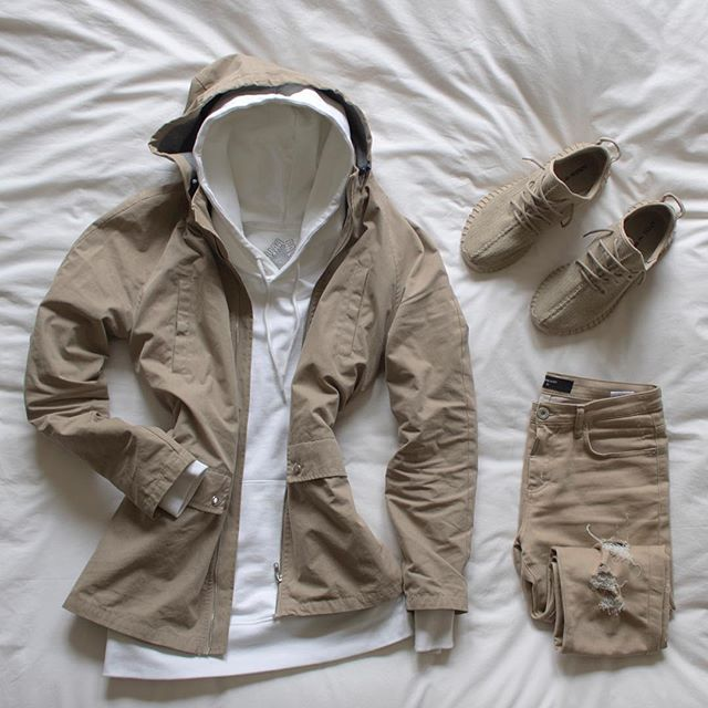 Love the concept. I wouldn't do distressed jeans--that's my preference. Very nice outfit, nonetheless.