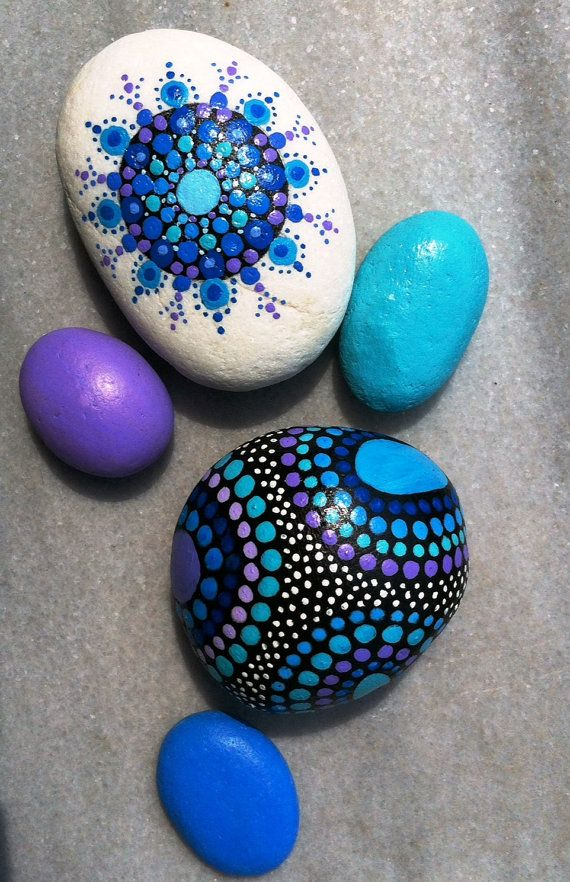 Hand painted marble stones by MediteraneoStones on Etsy