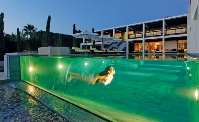 17 meilleures id es propos de piscine a debordement sur pinterest les pet - Piscine demi enterree ...