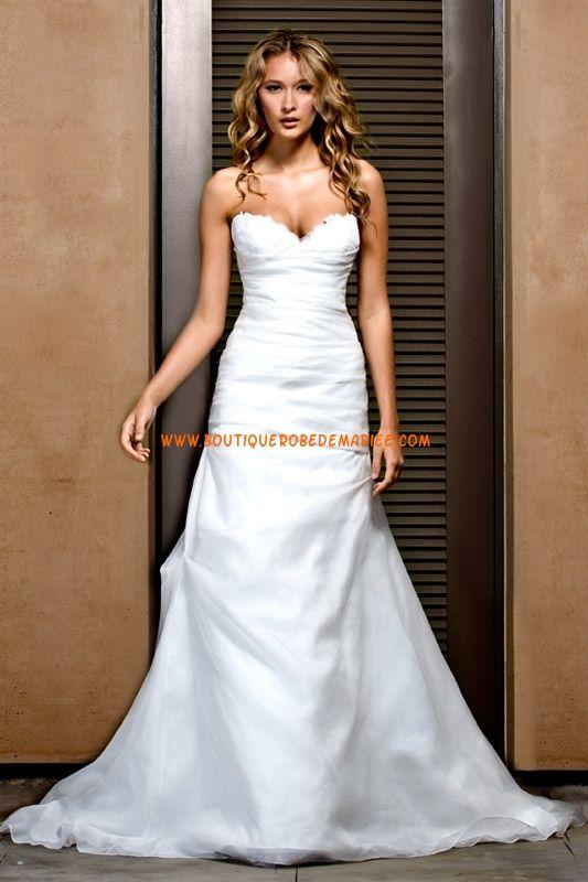 Robe de mariée simple col coeur en satin et organza