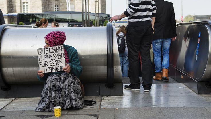 i-rena: Aστεγοι, «Οι άθλιοι του Βερολίνου»...