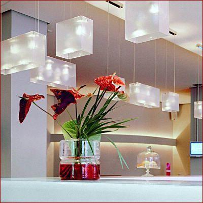 200048273-Suspension DUPLEXStructure en méthacrylate satiné, conduite pour fils en acier poli.La suspension associe intelligemment la couleur et la transparence à travers laquelle apparait toute la technicité du produit.Duplex mixe éclairages direct et indirect. 2xE27 50W maxi(Dimension L20xL10xHauteur maxi 200 cm)-4031285,4031279-- Comptoir des lustres, vous guide dans le choix de vos luminaires - Les produits : -Les suspensions