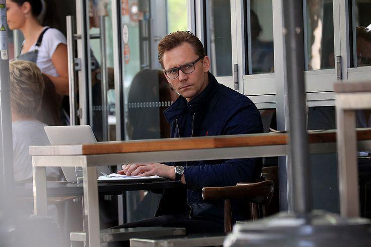 Tom Hiddleston Sighting In Broadbeach