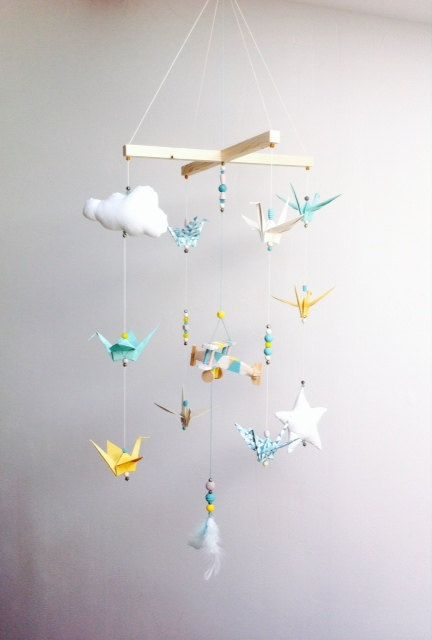 Mobile bébé origami bois vintage par Creamaga sur Etsy