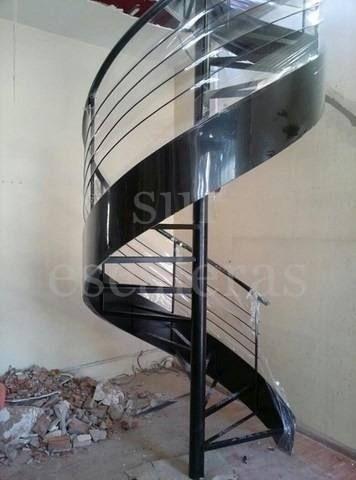escaleras caracol con escalones helicoidal