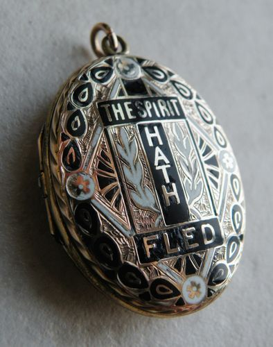 """The Spirit Hath Fled"" - Victorian mourning locket with black and white enamel on 9k gold"