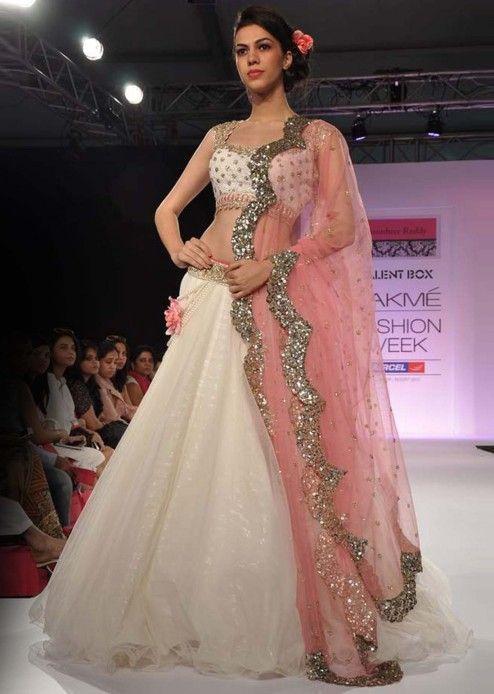 Lakme Fashion Week 2013 Collection by Anushree Reddy 09
