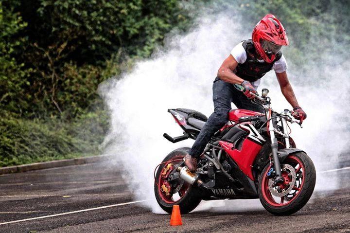 Yamaha R6 Stunt bike red | Stunt Bike World | Pinterest ...
