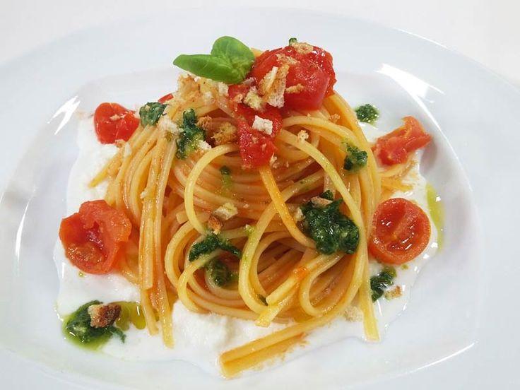 Linguine alla Crema di Mozzarella, Pomodori e Pesto