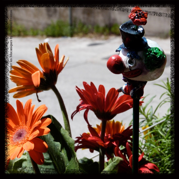 Clown Plant stick [https://www.facebook.com/RoulerLesMecaniques]