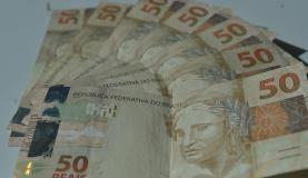 Pregopontocom @ Tudo: Inflação cai em seis das sete capitais pesquisadas...  Segundo o Instituto Brasileiro de Economia da Fundação Getulio Vargas (FGV), o recuo reflete variação menor de preço em seis das sete capitais pesquisadas. A exceção foi a capital de Pernambuco (Recife), onde o IPC-S subiu de 0,85% para 0,94%, da segunda para a terceira prévia do mês – uma elevação nos preços de 0,09 ponto percentual.
