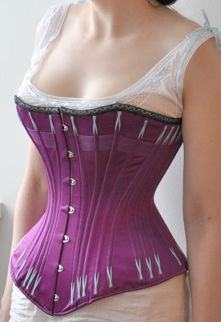 """""""1880's corset and a chemise   http://augustintytar.blogspot.com/2013/01/1880s-corset-and-chemise-with-ball-gown.html"""" - Beautiful work!"""