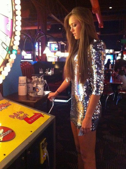 gah i just love sequin dresses! take me back to Vegas!!!