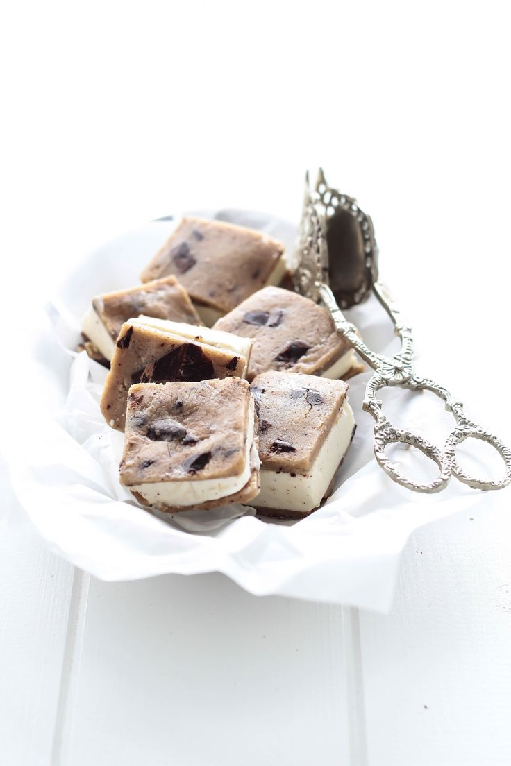 Cookie dough issandwich