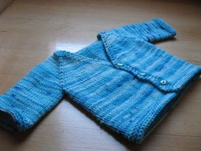 Anything 'seamless' gets a 'love' from me! Seamless baby cardigan (free pattern)