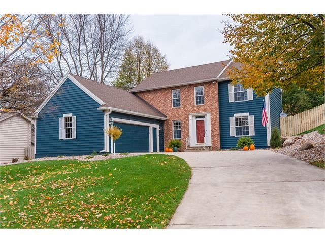 A beautifully finished entertainer's dream. Located minutes from downtown, in the highly sough-after southwest Rochester. Make this beautiful home yours, and call the Foxcroft subdivision of Rochester, home. The interior is charming, bright, captivating, yet emanates an upscale cozy impression with its unique wooden finishes and timeless accents.