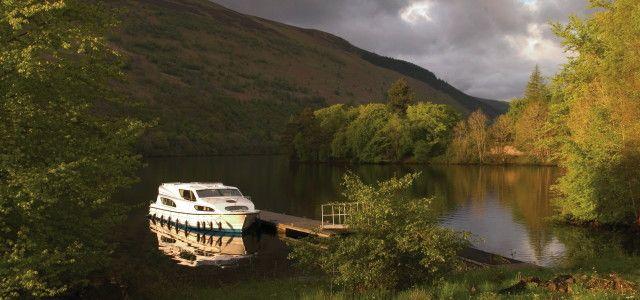 Hausboot mieten: Urlaub in Deutschland, Frankreich, Irland … (Foto: © Leboat)