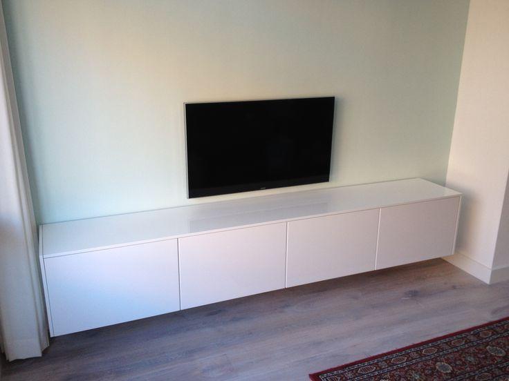 Hanging high gloss wall cabinet