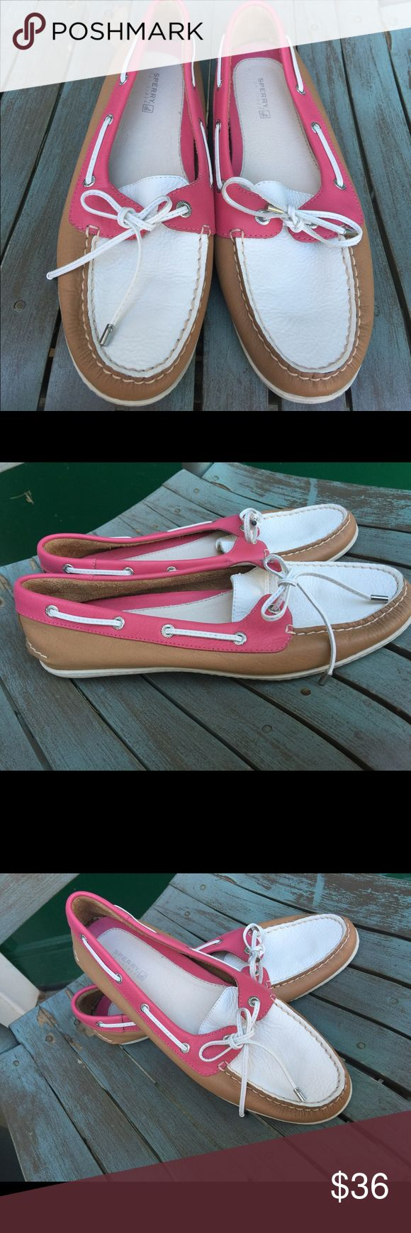 Women's Sperry Top-Sider Leather Boat Shoes 9M Women's Sperry Top-Sider Leather Boat Shoes 9M. Beautiful Pink, Tan & White. Excellent Condition Sperry Top-Sider Shoes Flats & Loafers