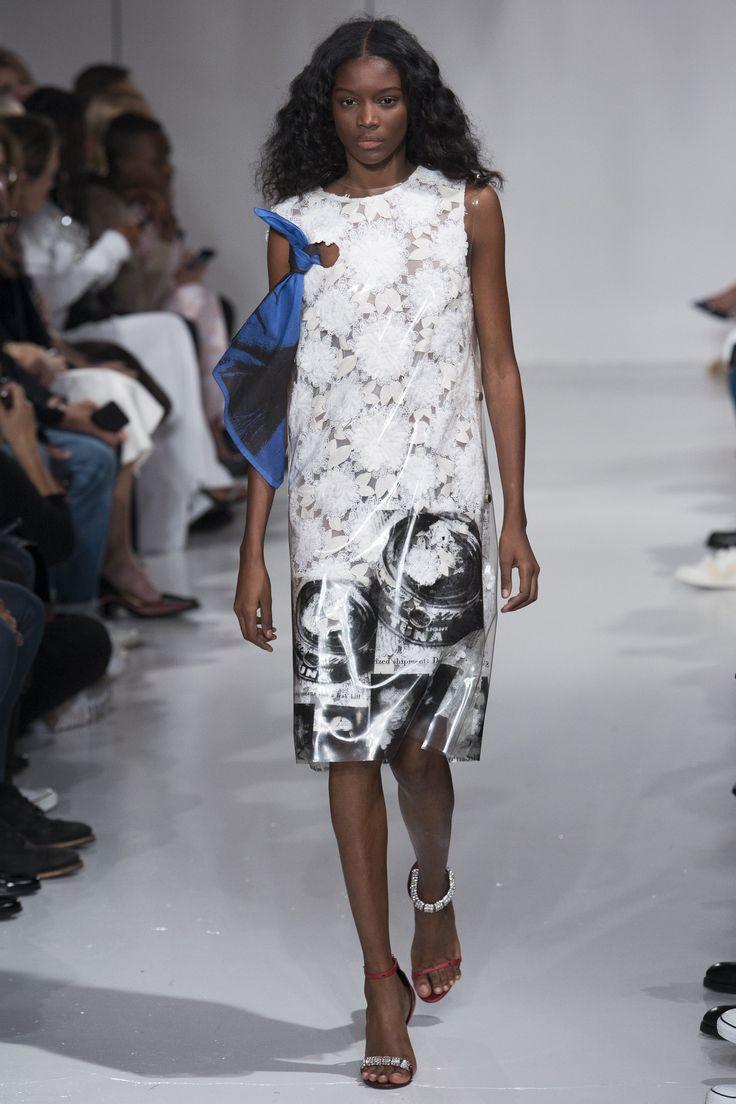 Calvin Klein Spring Summer 2018, Ready-to-Wear :: The Wonderful World of Fashion