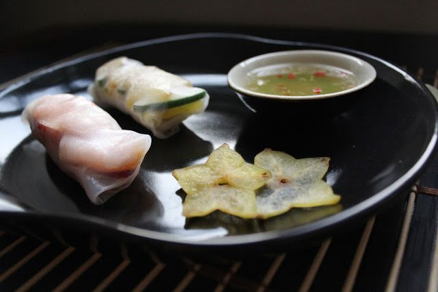 Vietnamese fresh spring rolls with shrimps and star fruit
