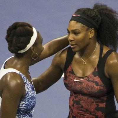 Serena Williams a battu sa soeur Venus en trois sets 6-2, 1-6, 6-3 après une heure et trente-huit minutes de jeu.
