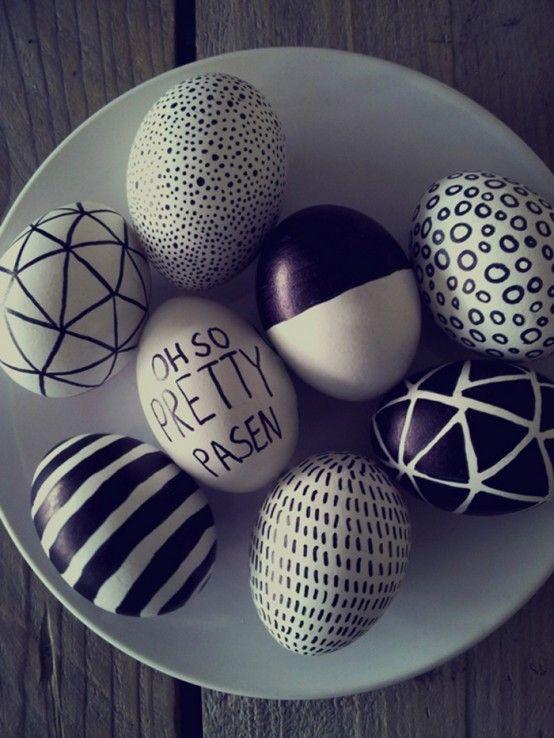 Eggs in black and white www.decofairy.gr