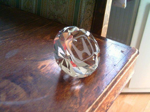 Lasitimantti, miesten suosikki :D Kukas se sanoikaan että diamonds are the GIRLS best friend???