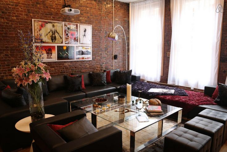 8 Swanky Airbnb Penthouses You Can Rent For The Night In New York City New York Vacation Open Living Room Vacation Rental