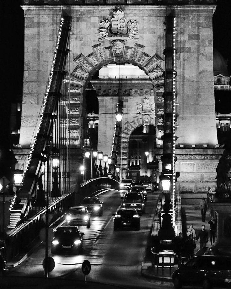 Rainy evening #Chain #Bridge #Budapest #Будапешт #Hungary #Hongrie #Венгрия #budapest_hungary #ig_budapest #thisisbudapest #travel #travels #traveling #spring #2017 #spring2017 #cityscape #streetview #urbanstyle #architecture #sunset #sundown #twilight #Danube http://tipsrazzi.com/ipost/1505628036652234198/?code=BTlELjghnXW