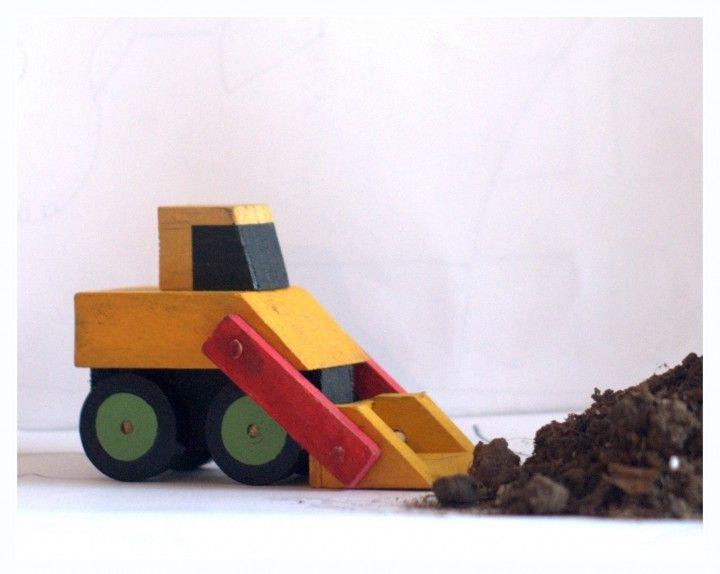 Encontrá Pala mecánica de juguete de madera reutilizada desde $80. Juegos Y Juguetes, Decoración y más objetos únicos recuperados en MercadoLimbo.com. http://www.mercadolimbo.com/producto/2543/pala-mecanica-de-juguete-de-madera-reutilizada