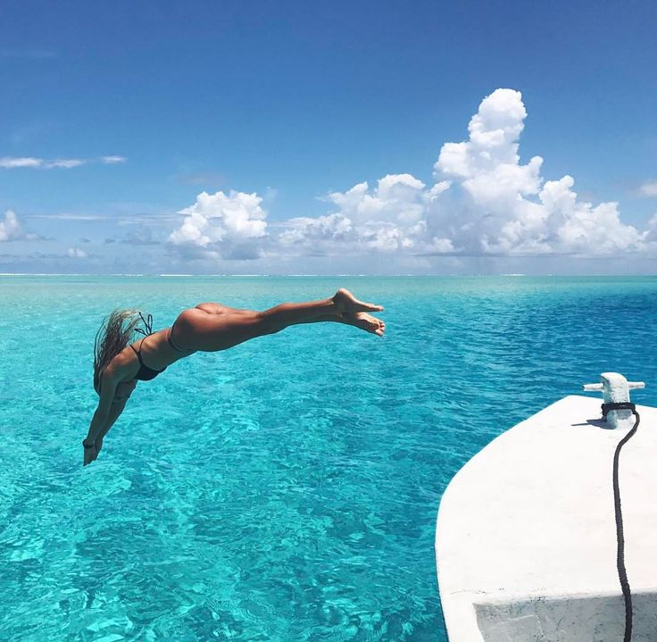 """24.1k Likes, 74 Comments - Alana Blanchard (@alanarblanchard) on Instagram: """"Iv been working on my dive"""""""