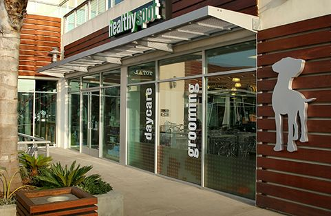 Hours Monday – Friday 8:00am-9:00pm Saturday – Sunday 9:00am-8:00pm Services available in Marina Del Rey Fully stocked retail floor Full grooming spa Small dog daycare Obedience courses Non-Anesthetic Teeth Cleaning