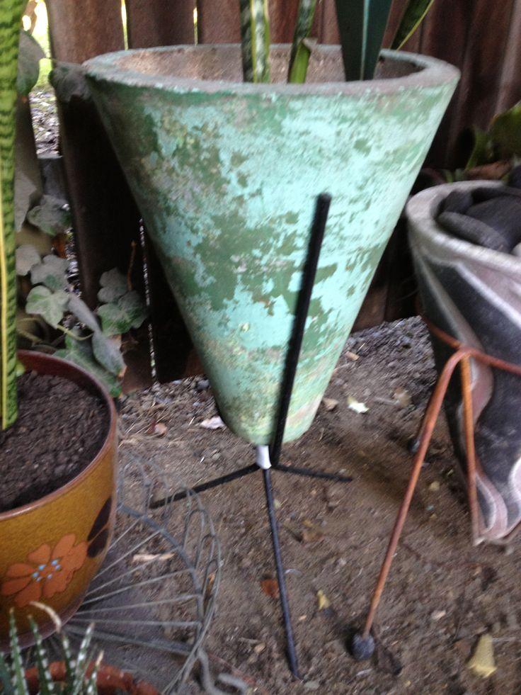 1950s cone planter on Kurrlson custom frame